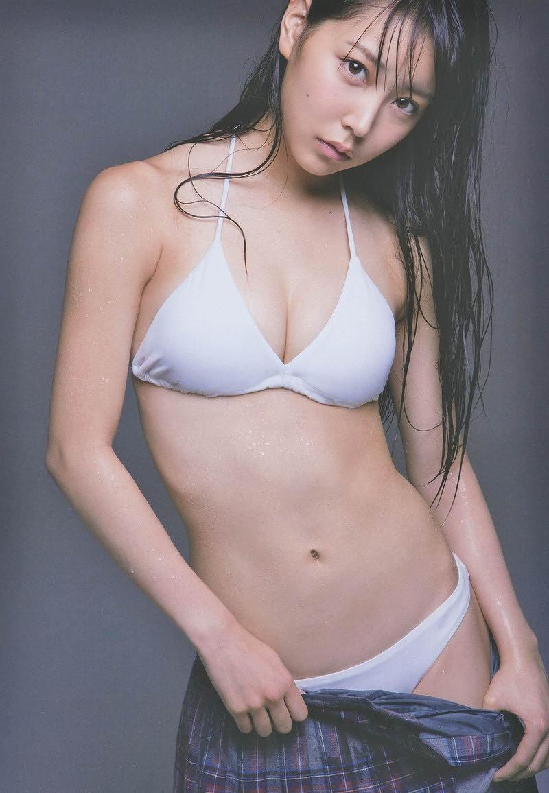 白間美瑠のビキニ水着グラビア