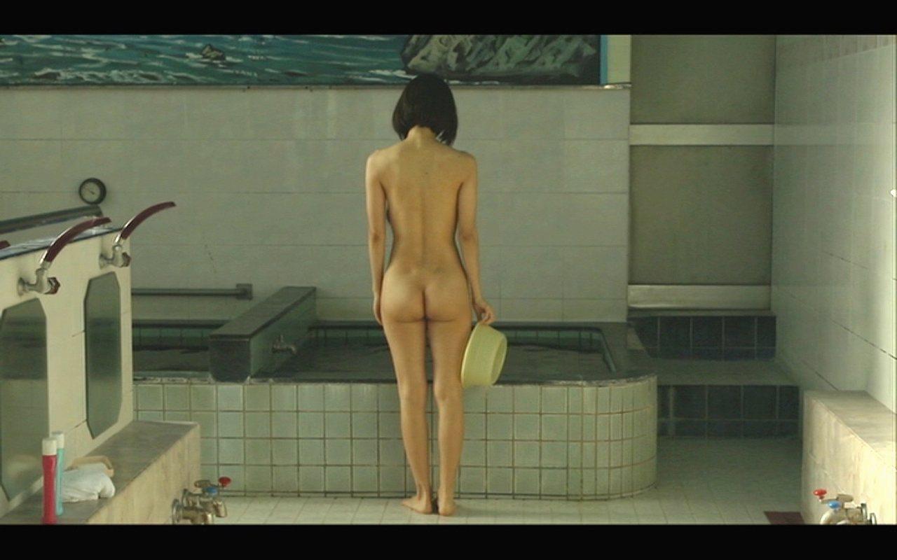 映画「海を感じる時」で全裸になった市川由衣
