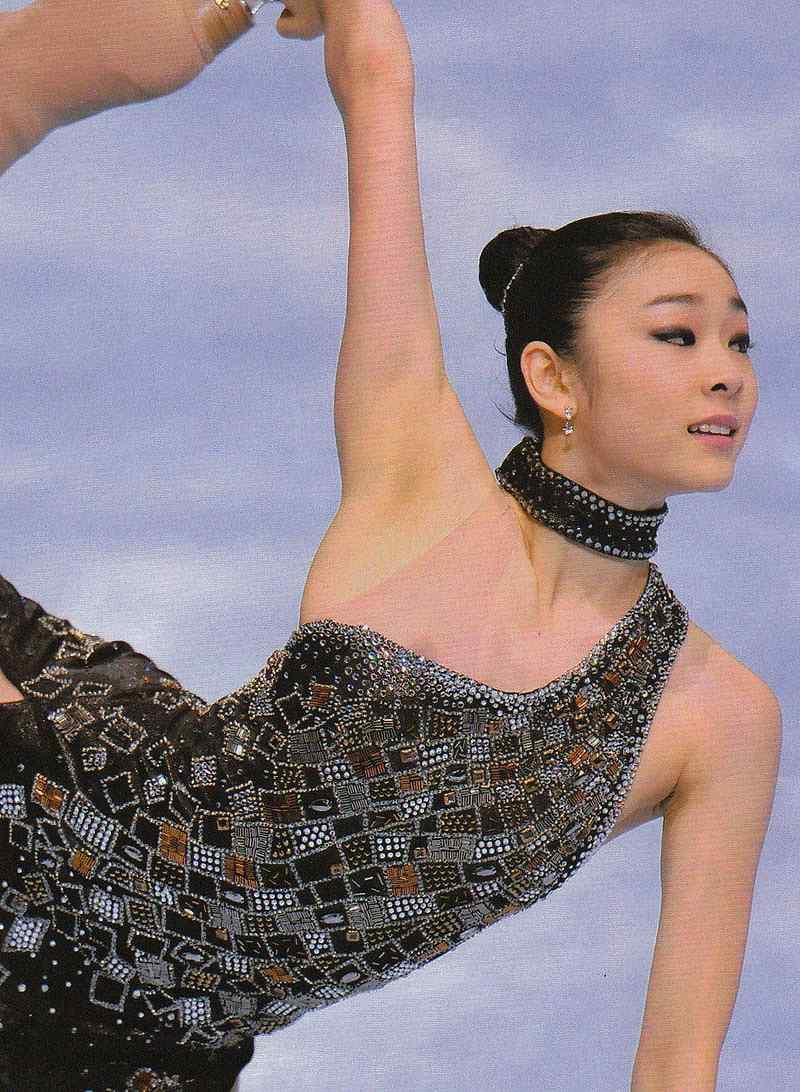 キム・ヨナがスケート中にポロリした乳首