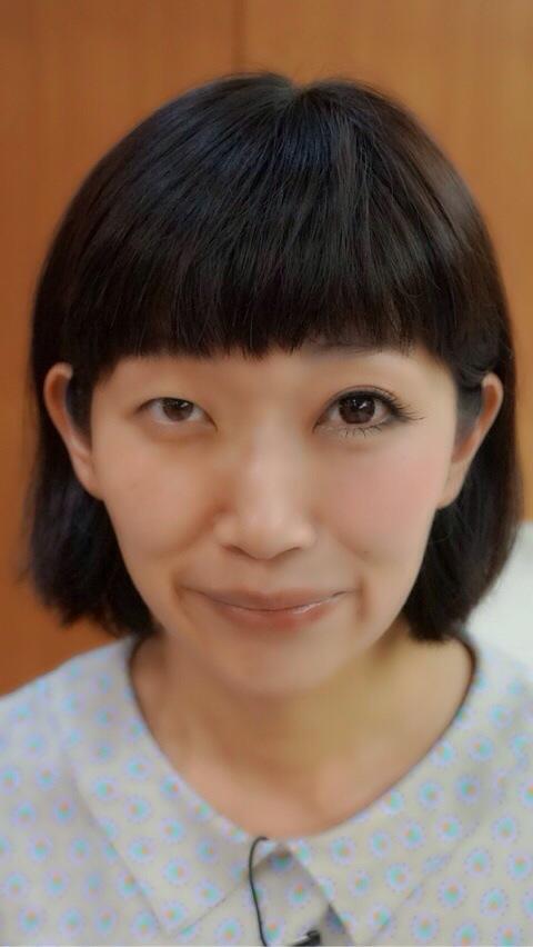 半顔メイクをしたたんぽぽ川村エミコ