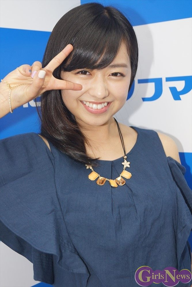 3rdDVD「あなただけに」発売記念イベントでソフマップに登場した元ももクロの伊倉愛美