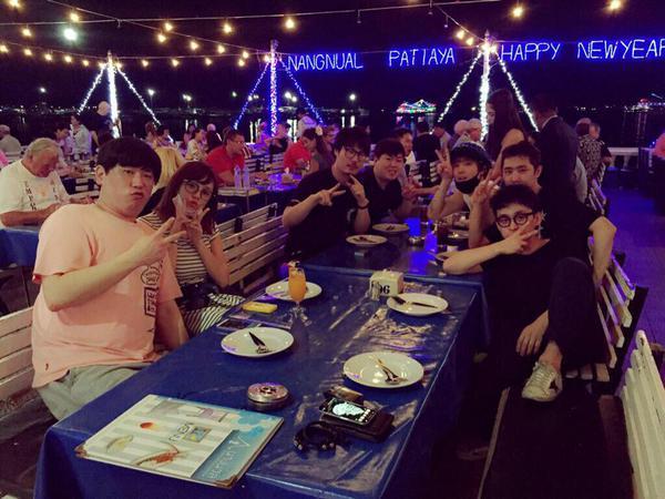 韓国バンドFTISLANDのイ・ホンギと台湾旅行をする篠崎愛