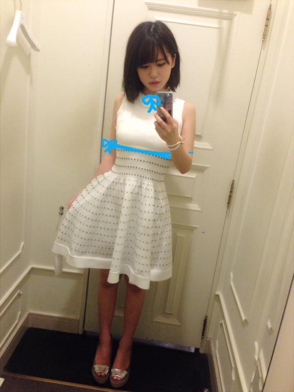 例の紐を胸に付けた元HKT48の菅本裕子