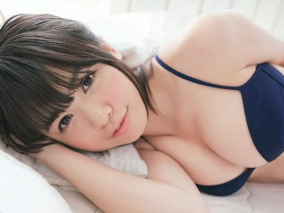 HKT48・菅本裕子のビキニ水着グラビア