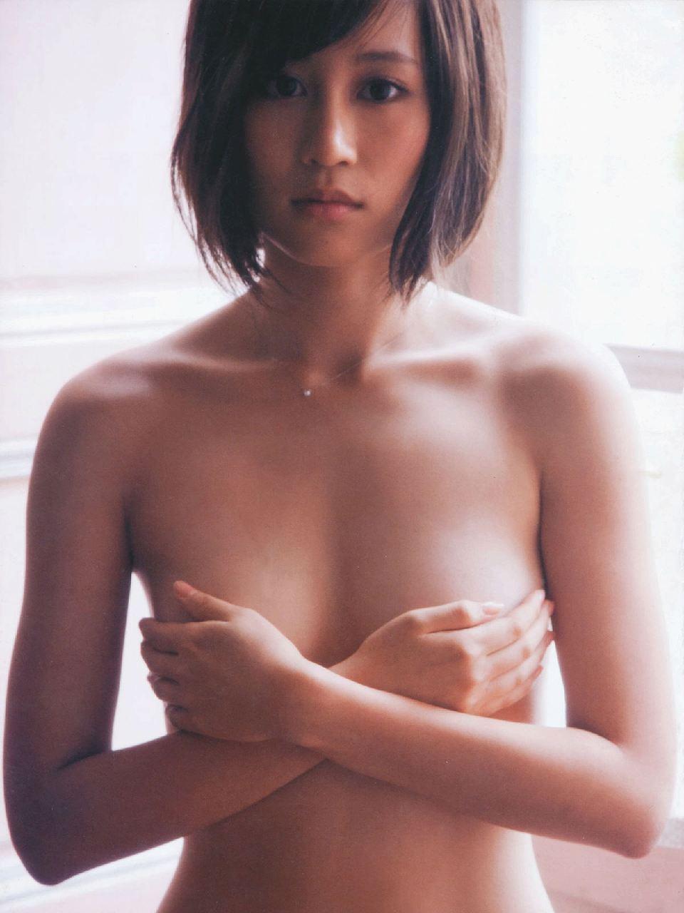 前田敦子写真集「不器用」画像、前田敦子の手ブラ