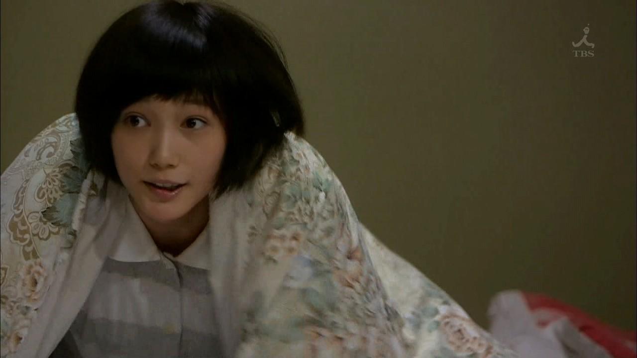 ドラマ「ヤメゴク ヤクザやめて頂きます」でパジャマ姿の本田翼
