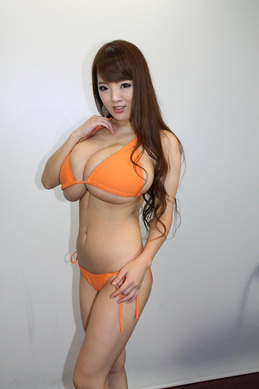 AV女優のHITOMI