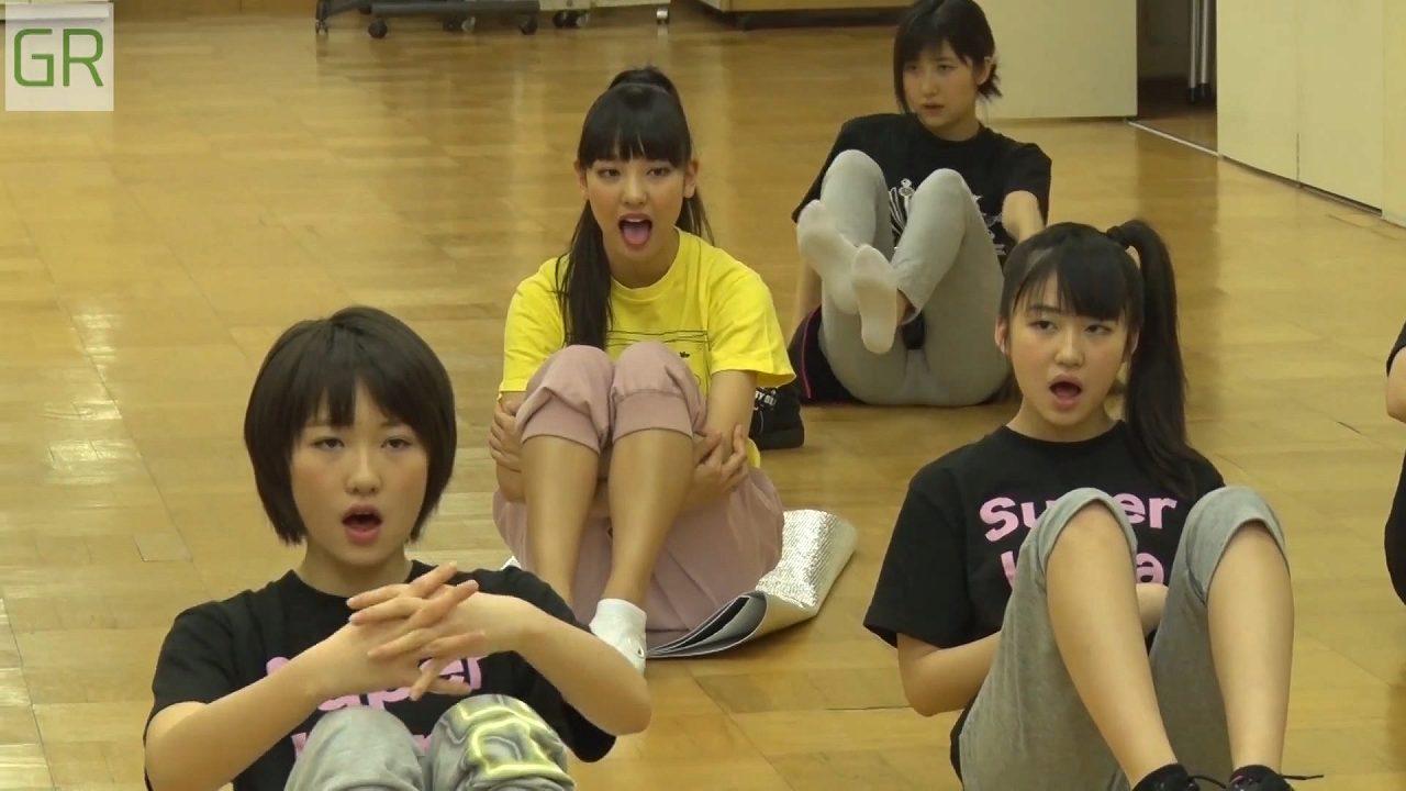 レッスンを受けるモーニング娘。・佐藤優樹