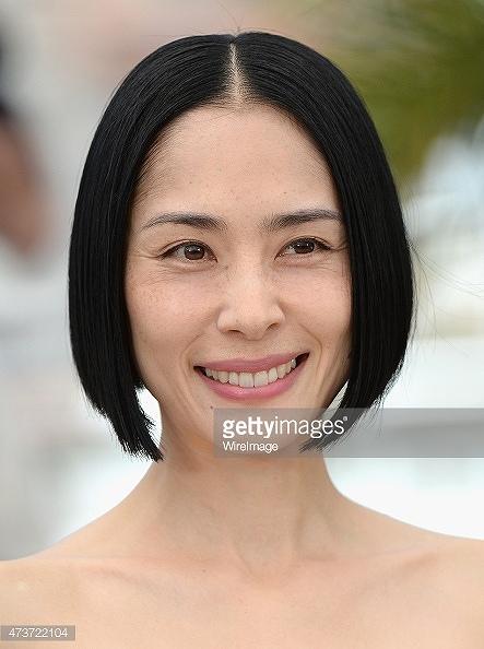 第68回カンヌ国際映画祭のレッドカーペットに登場した深津絵里