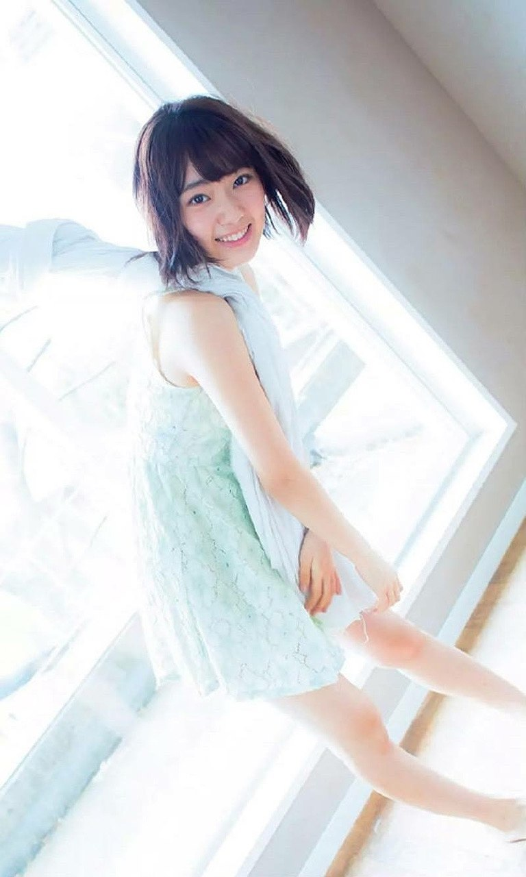 「週刊プレイボーイ」HKT48・宮脇咲良の巻頭グラビア