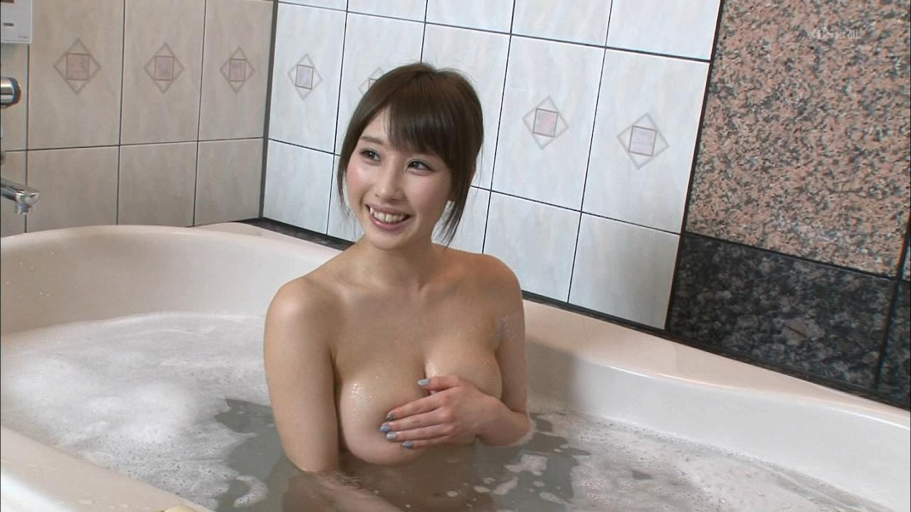 サンテレビ「ケンコバのバコバコテレビ」、手ブラ状態でお風呂に入るロケット乳の女