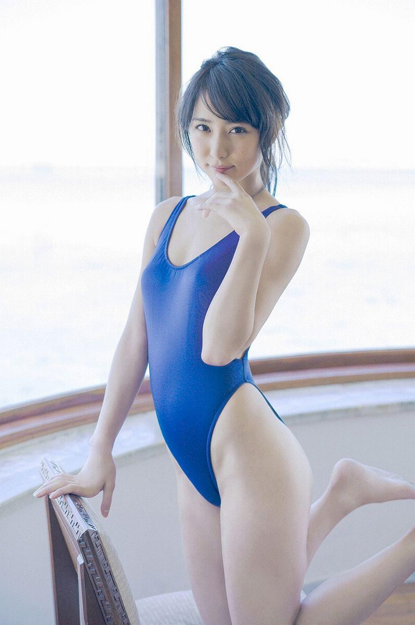 ビリギャルモデル・石川恋の食い込みスクール水着グラビア