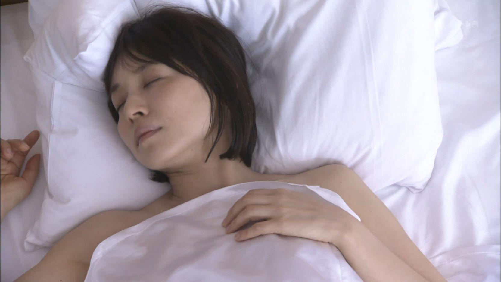 ドラマ「医師たちの恋愛事情」、石田ゆり子のベッドシーン