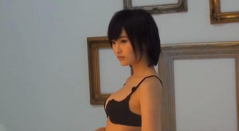 2014年5月「ヤングチャンピオン」、胸が一番大きかった時の山本彩のビキニ姿