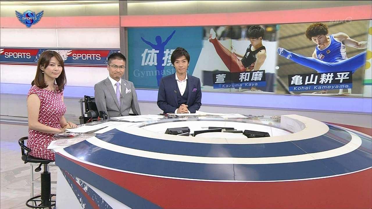 NHK「サンデースポーツ」に体のラインが分かるワンピースで出演した杉浦友紀アナの爆乳