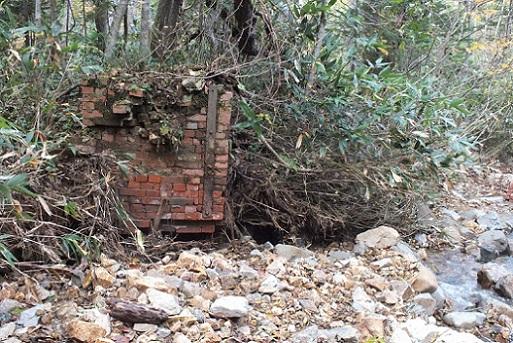 恵庭鉱山 鉱口へ2(1)