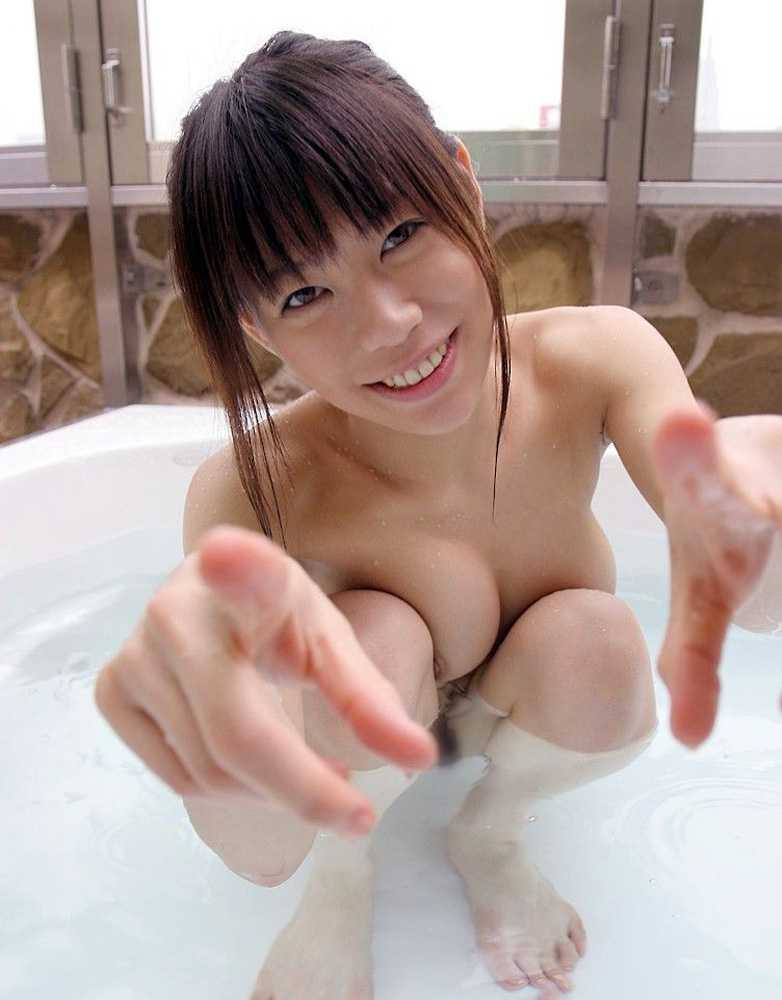 bathing_girl002.jpg