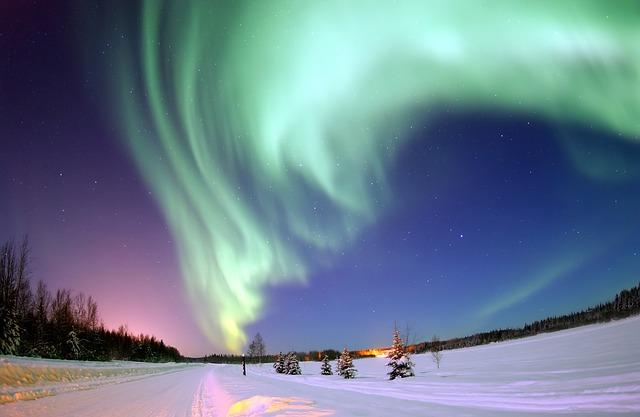 aurora-borealis-69221_640.jpg
