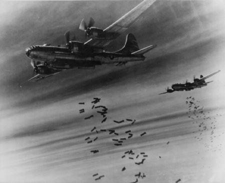 1450px-B-29_bombing.jpg