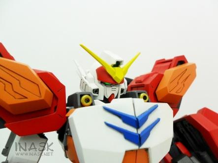 inask-03_G82_Gundam_Heavyarms_Custom_Fantasy_tosou.jpg