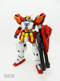 inask-04_G82_Gundam_Heavyarms_Custom_Fantasy_tosou.jpg