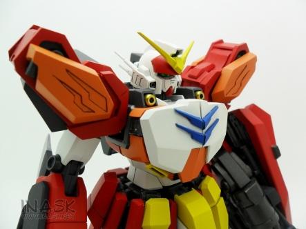inask-07_G82_Gundam_Heavyarms_Custom_Fantasy_tosou.jpg
