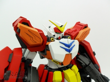 inask-11_G82_Gundam_Heavyarms_Custom_Fantasy_tosou.jpg