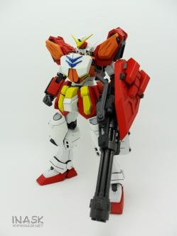 inask-14_G82_Gundam_Heavyarms_Custom_Fantasy_tosou.jpg