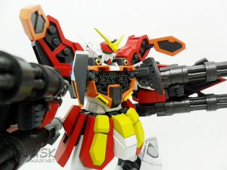 inask-23_G82_Gundam_Heavyarms_Custom_Fantasy_tosou.jpg