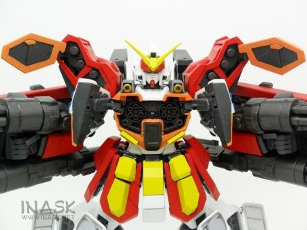 inask-24_G82_Gundam_Heavyarms_Custom_Fantasy_tosou.jpg