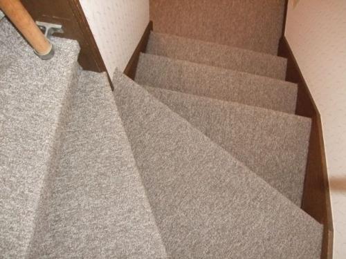 階段カーペット