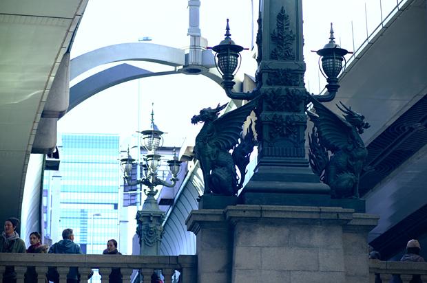 橋の下から麒麟