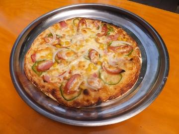 ピザとイノシシ肉2