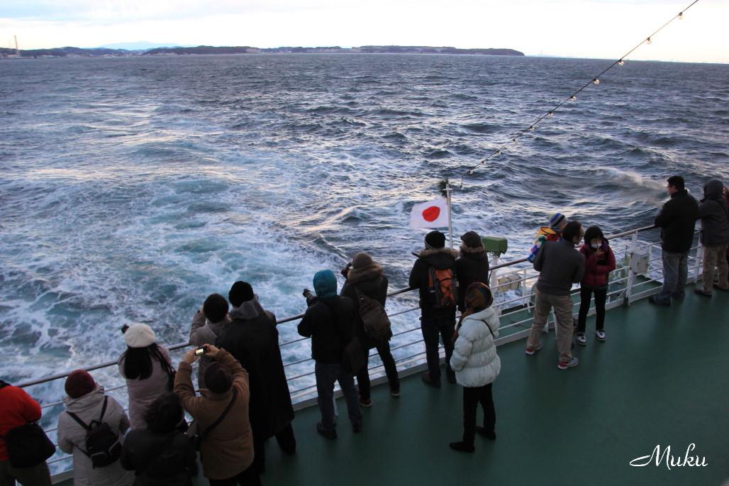 2015.1.1 初富士を観る人々 (東京湾フェリー)