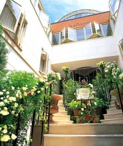 ひらまつ薔薇階段