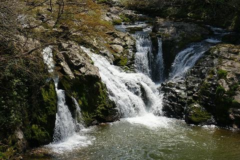 南外不動の滝DSC04054