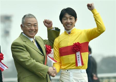 【競馬】最近の有力馬には武豊乗せとけとかいう風潮
