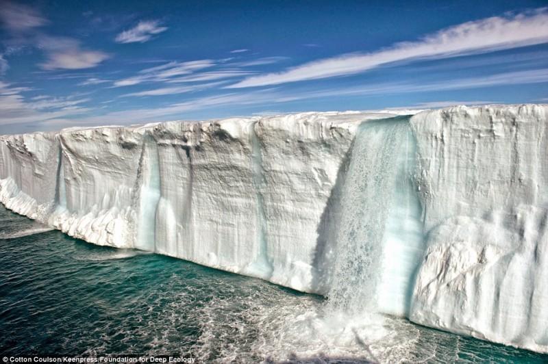 解ける氷山