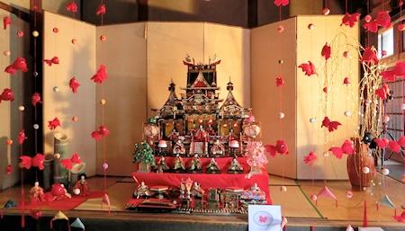 旧川本邸(御殿飾り雛)