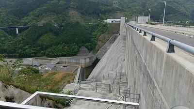 嘉瀬川ダム1
