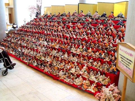 画像ー282 サンライズ九十九里の雛人形としらこ桜 019-2