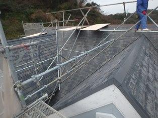 屋根着工着工前屋根足場設置 (2)