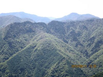 雲取山と芋の木ドッケ