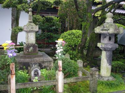 義仲公墓(木曽塚)