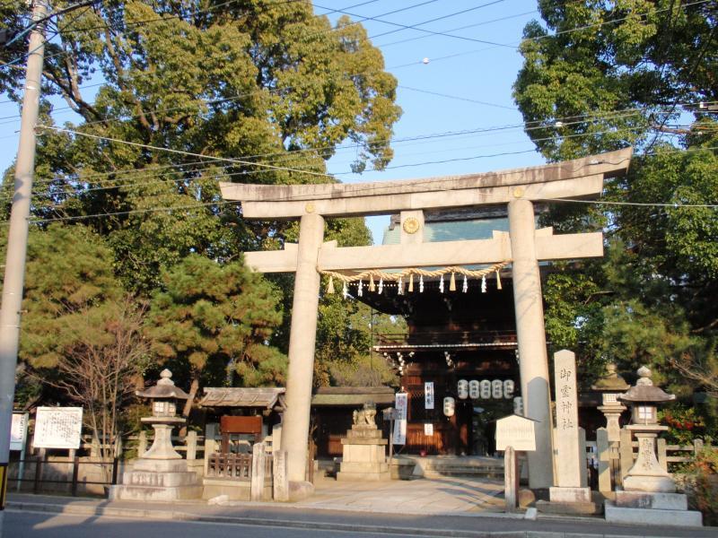 御霊神社1