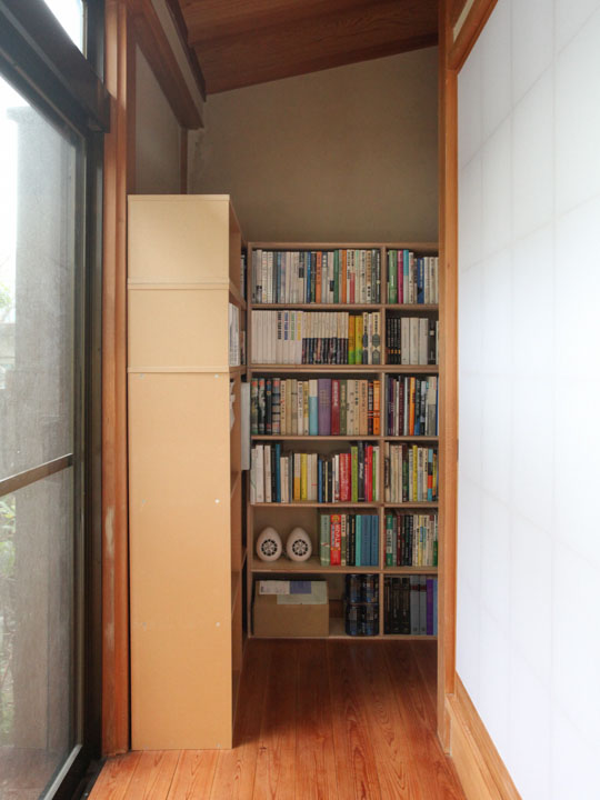bookcase3_2.jpg