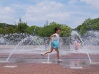 BL150531寝屋川公園の噴水3DSCF5995