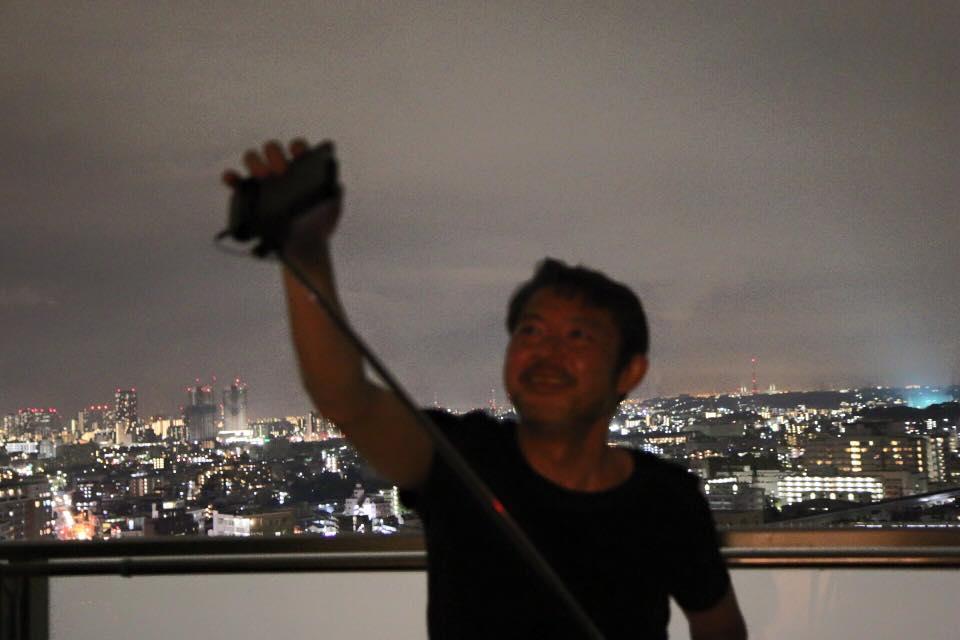 Hiroshi and selfie