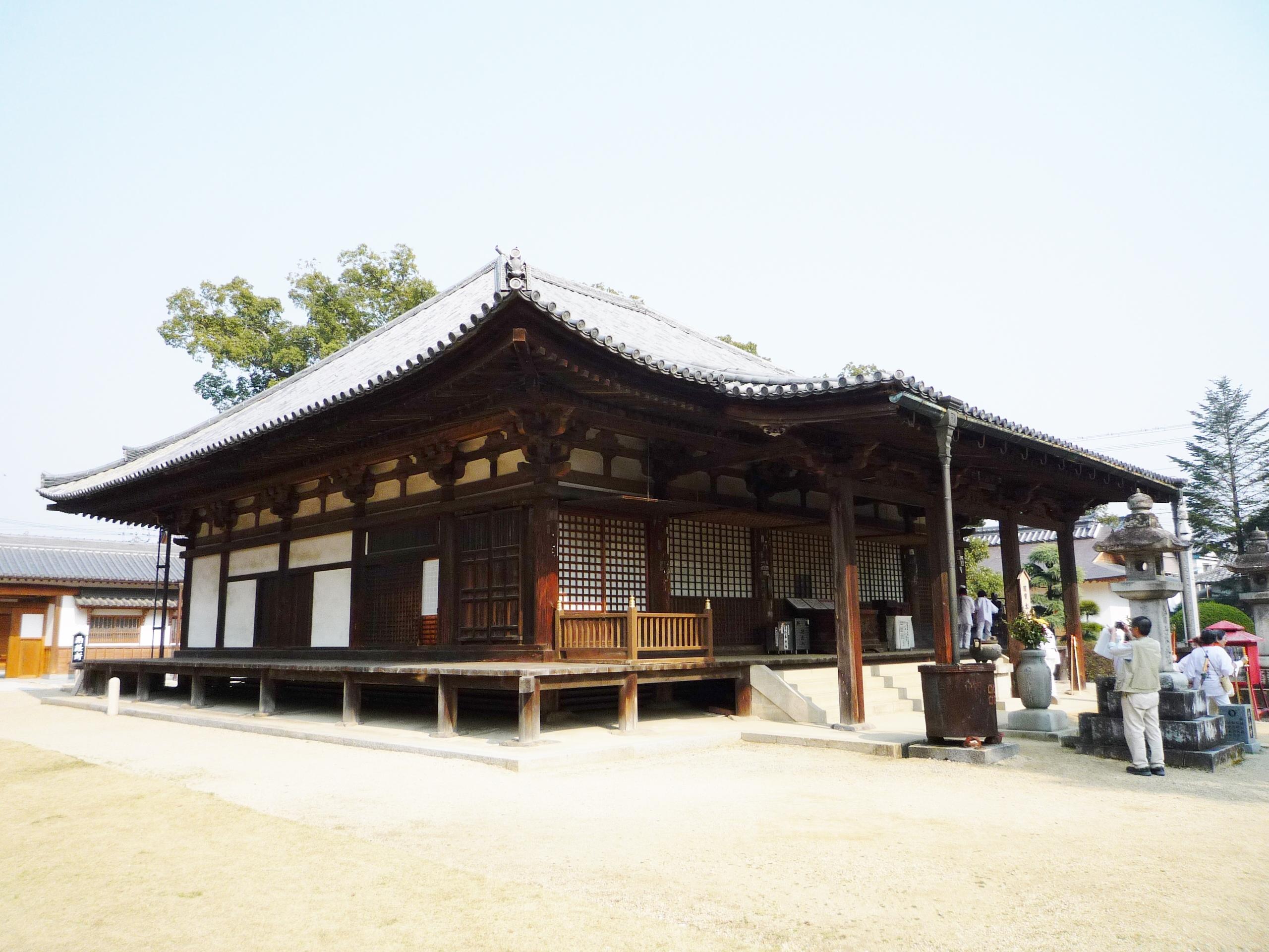 8-8本山寺本堂-2