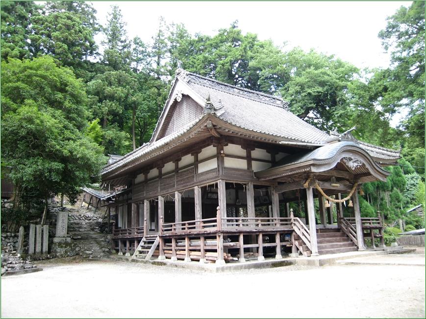 8-8  三島神社寺拝殿愛媛 20150306